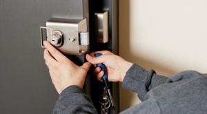 locksmith 300x165 - Mejor Cerrajero